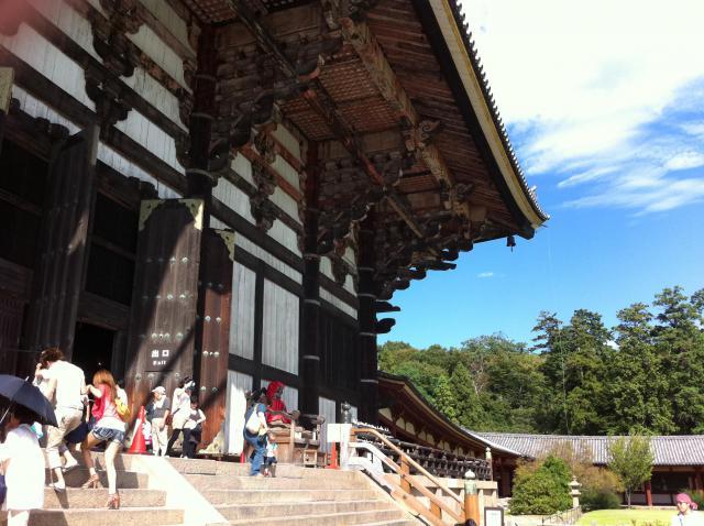 奈良県東大寺の本殿