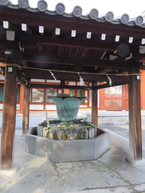 薬師寺の手水