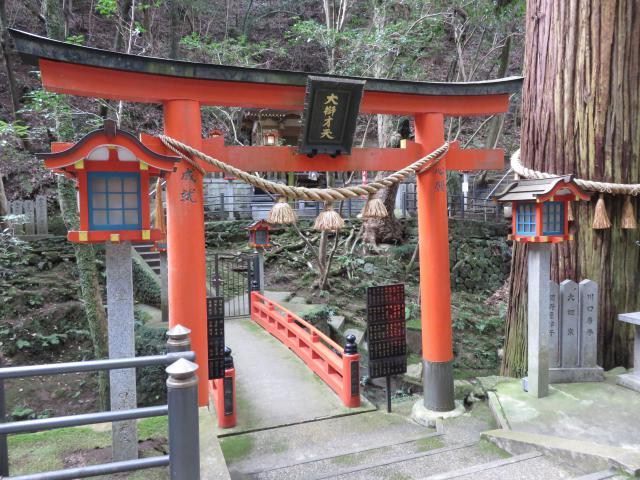 奈良県霊山寺の鳥居