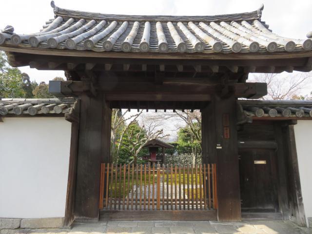 長得院の山門