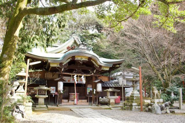 京都府粟田神社の本殿