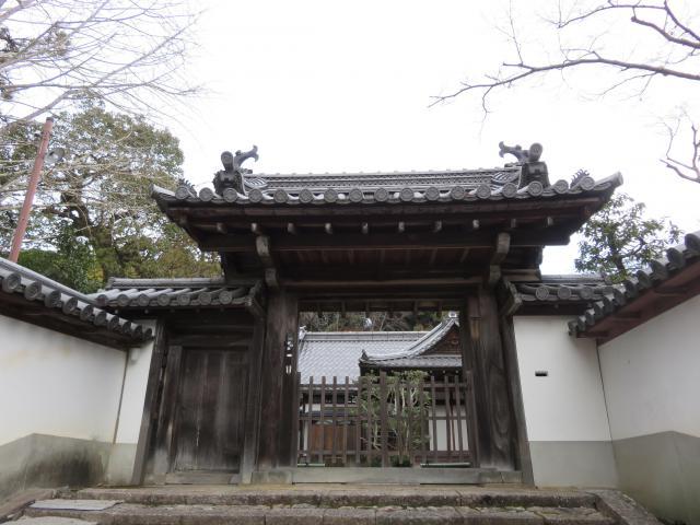 竜松院の山門
