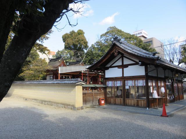 奈良県率川神社の本殿