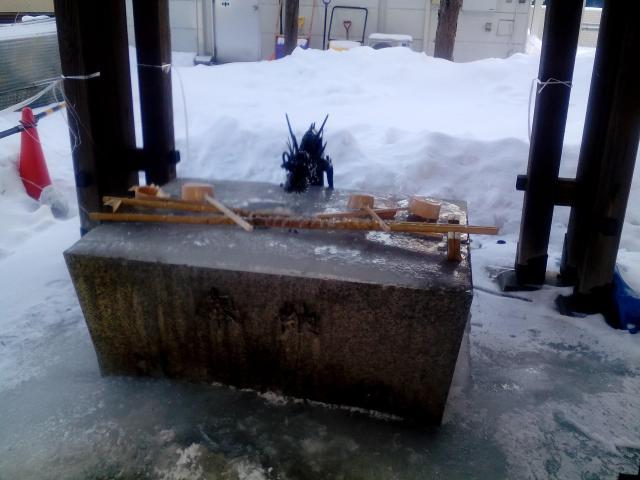 諏訪神社(北海道北13条東駅) - 手水舎の写真
