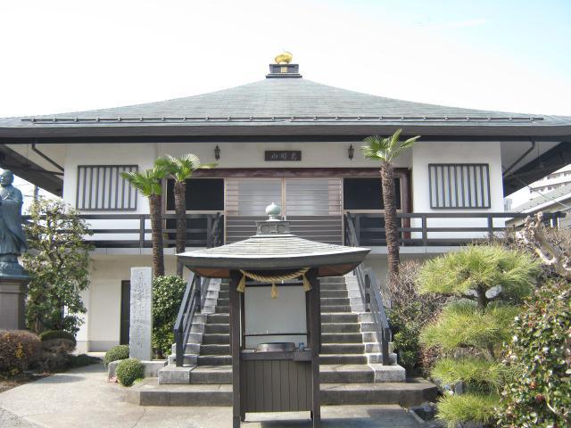 日朝寺の本殿