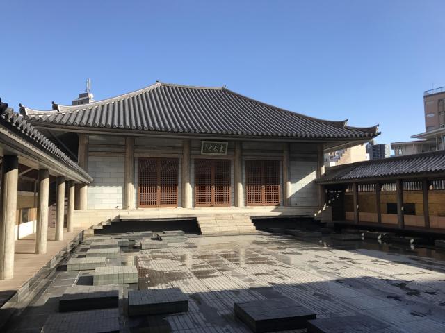 東京都東長寺の本殿