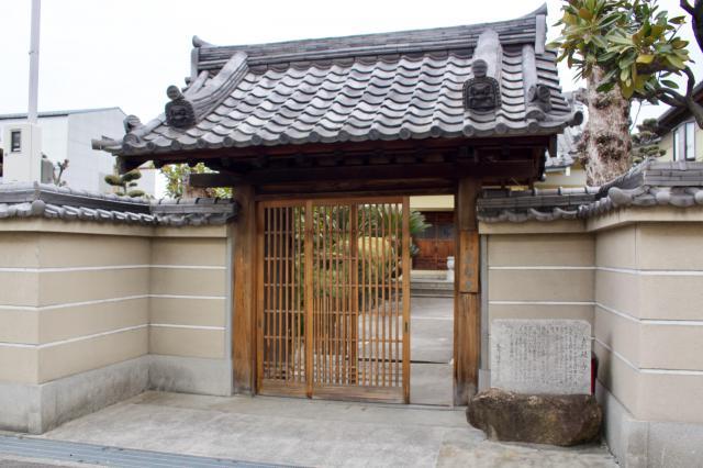 大阪府真観寺の山門
