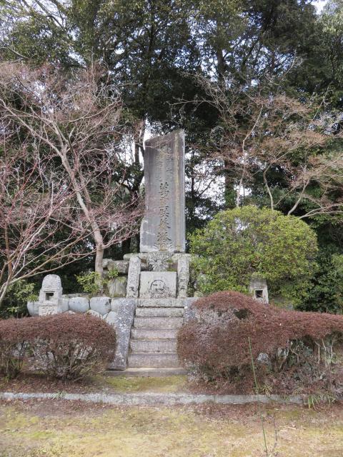 秋篠寺の塔