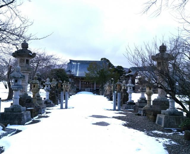 鳥之子神社の建物その他