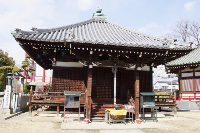 大阪府大聖勝軍寺の本殿