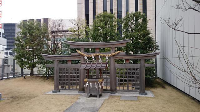 東京都ギンザコマツ三輪神社の鳥居