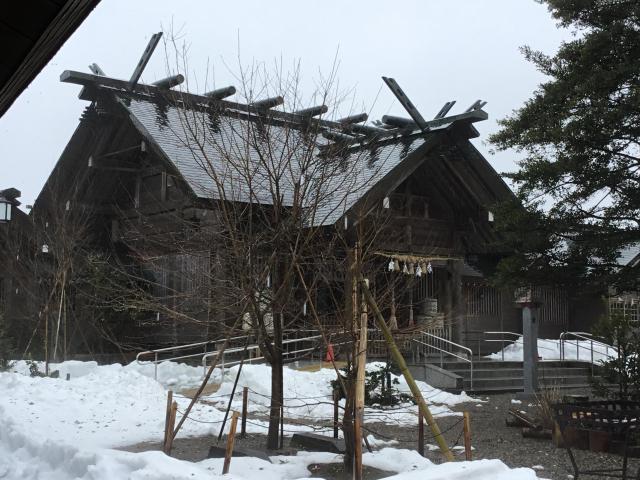 富山県櫛田神社の本殿