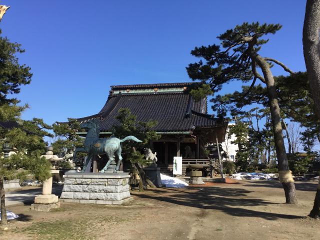 富山県 放生津八幡宮の本殿