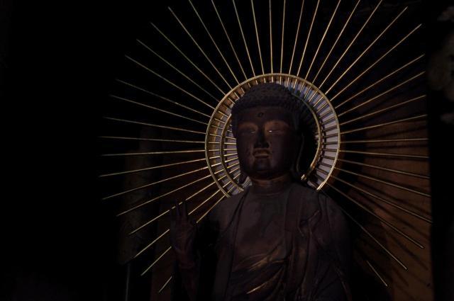 恩楽寺の像