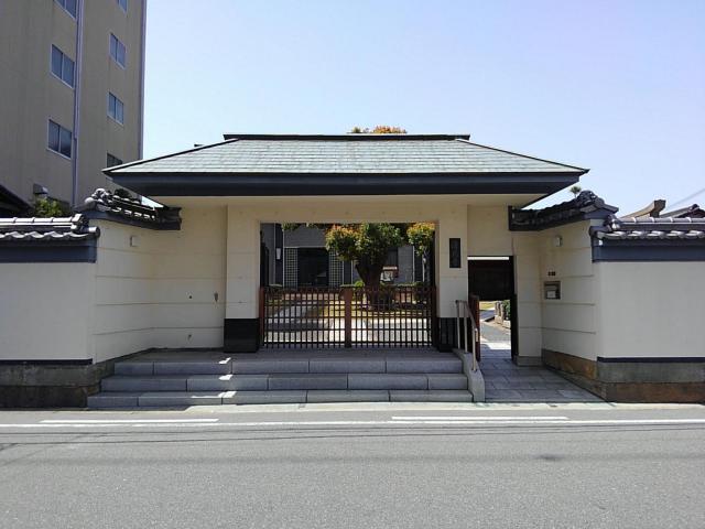 清恩寺の山門