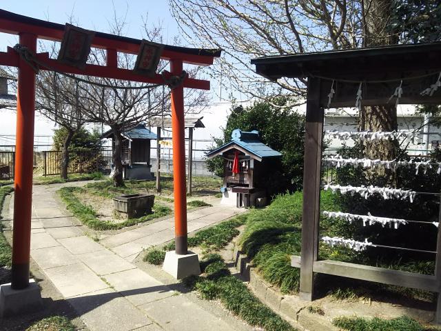 稲荷神社(弥十郎稲荷)の末社