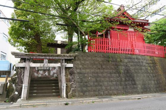 静岡県御殿稲荷神社の鳥居