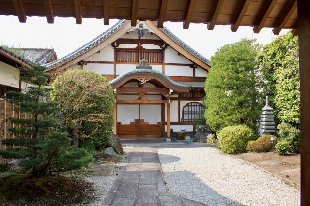 賀茂御祖神社(下鴨神社)の近くの神社お寺 無礙光院