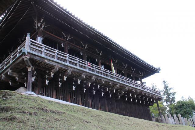 奈良県東大寺二月堂の本殿