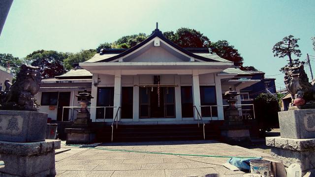 神奈川県糸縄神社の本殿
