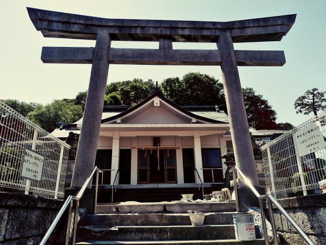 神奈川県糸縄神社の鳥居