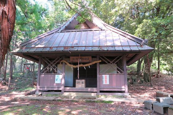 山梨県若宮八幡神社の本殿