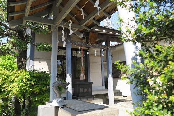 山梨県金山神社の建物その他
