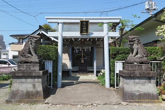 山梨県金山神社の鳥居