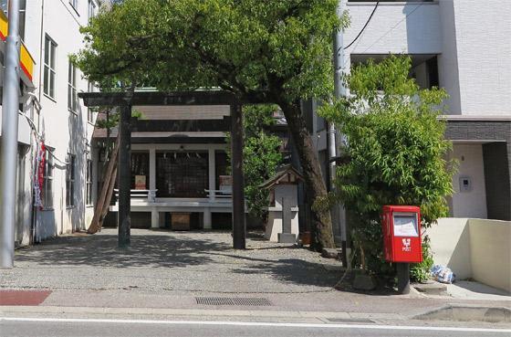 山梨県神明社の鳥居