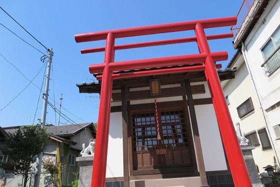 山梨県榊稲荷神社の鳥居