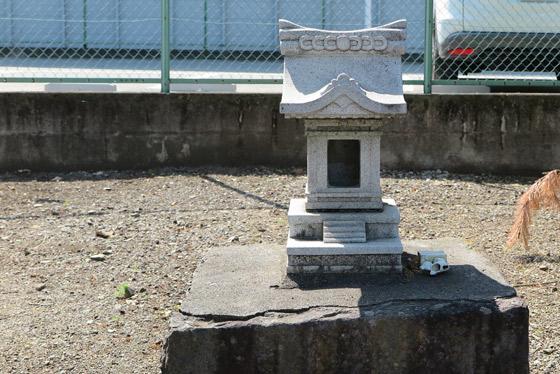 山梨県秋葉神社の末社