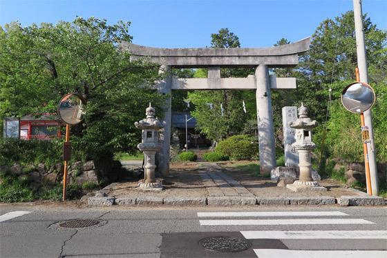 山梨県甲斐総社八幡神社の鳥居