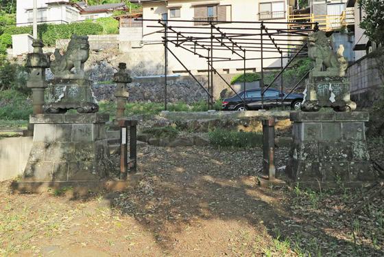 山梨県八雲神社の狛犬