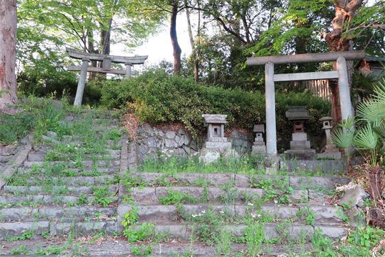 山八幡神社の建物その他