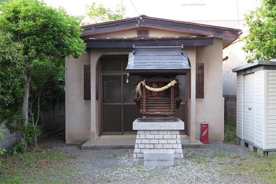 池添神社の本殿