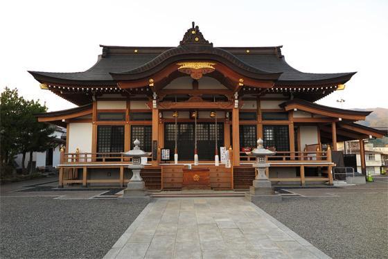 山梨県甲斐奈神社の本殿