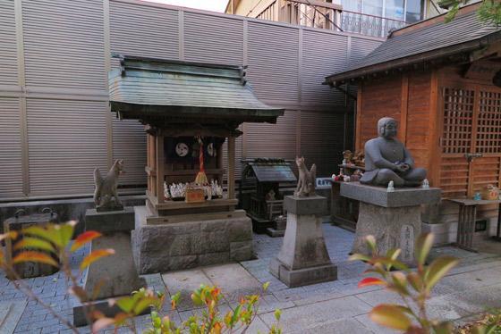 甲斐奈神社の末社