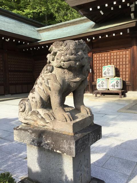 山梨縣護国神社の狛犬