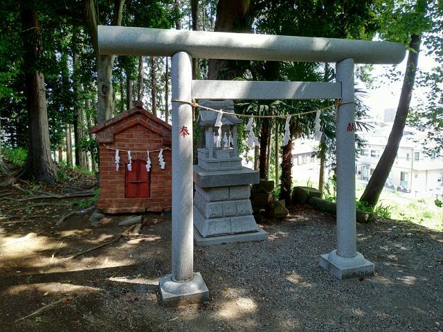 神奈川県北金目神社の末社