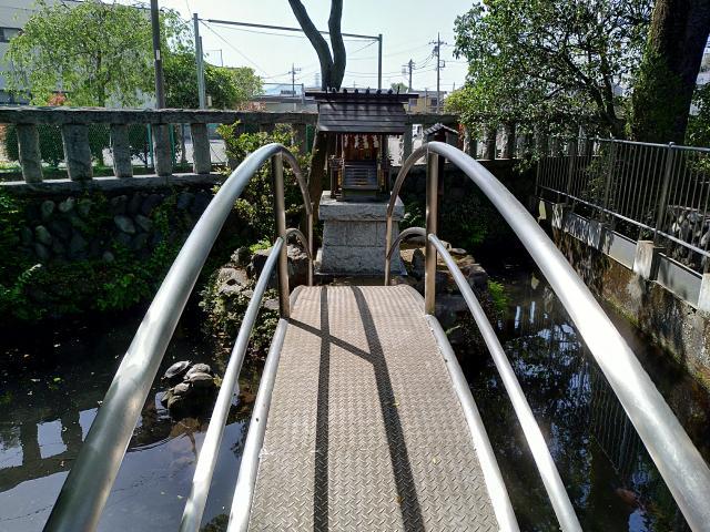 鈴鹿明神社(神奈川県座間駅) - 末社・摂社の写真