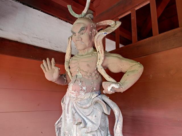 医王寺の像