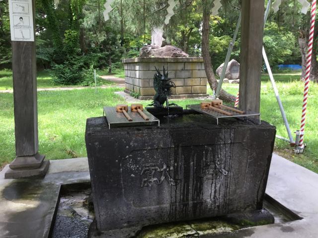青森縣護国神社の手水