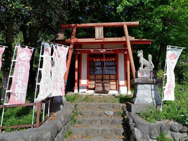 山んね稲荷神社の建物その他