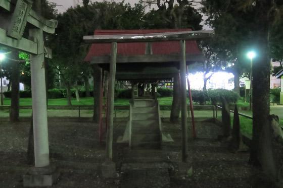 西新井諏訪神社の末社