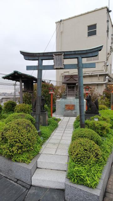 東京都出世稲荷神社の鳥居