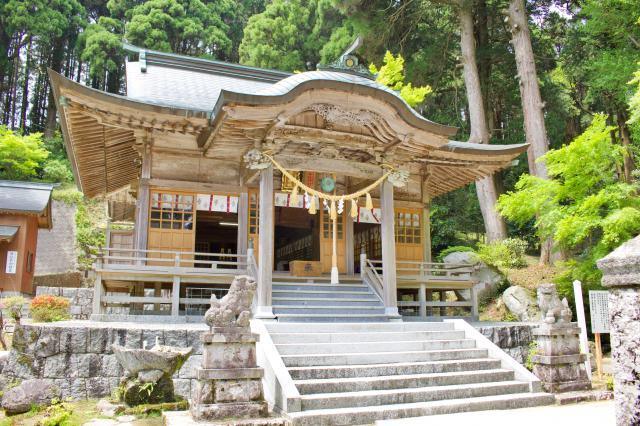 佐賀県背振神社の本殿