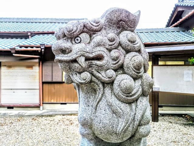 八幡社(渡内八幡社)(愛知県聚楽園駅) - 狛犬の写真