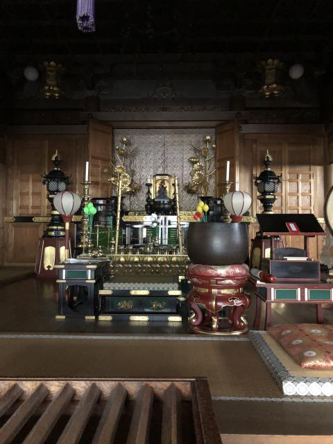 青森県国上寺の本殿