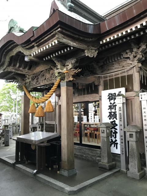大分県尺間神社の本殿
