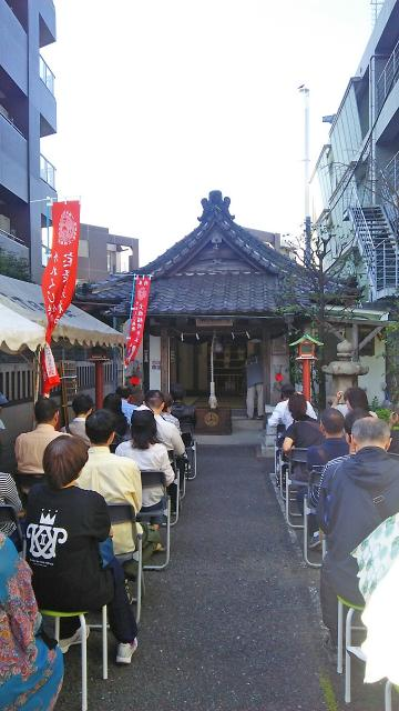 市谷亀岡八幡宮の近くの神社お寺|稲荷神社
